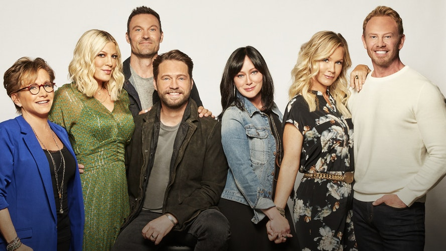 Jason, Shannen og resten af castet bag 'Beverly Hills 90210' er tilbage i en ny serie