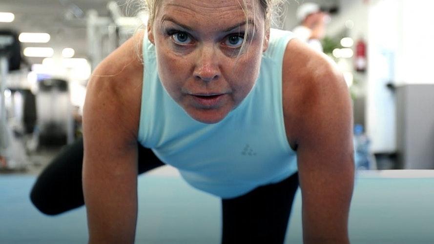 Jernkvinden - topatlet vil modbevise kritikerne og vinde ironman som nybagt mor